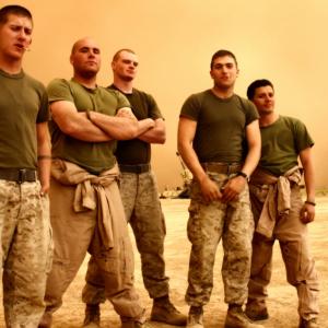 男らしい陸軍の兵士たち
